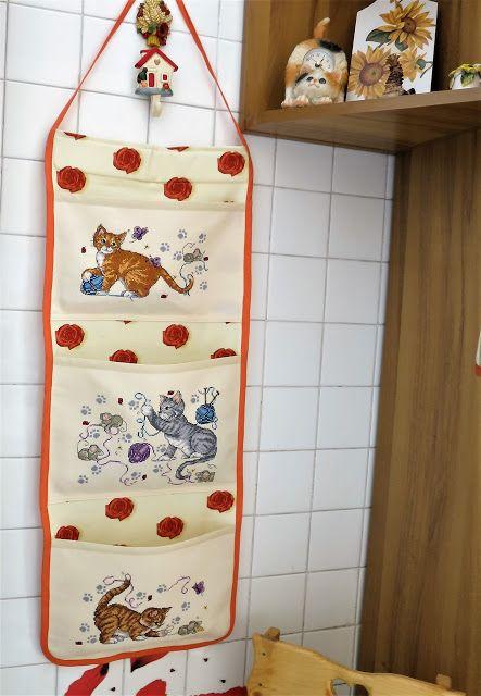 Pannello cucina porta oggetti con micetti