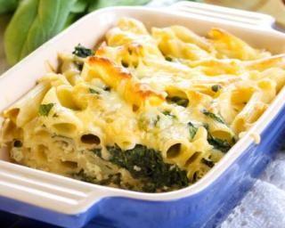 Gratin de pâtes allégé aux épinards et parmesan : http://www.fourchette-et-bikini.fr/recettes/recettes-minceur/gratin-de-pates-allege-aux-epinards-et-parmesan.html