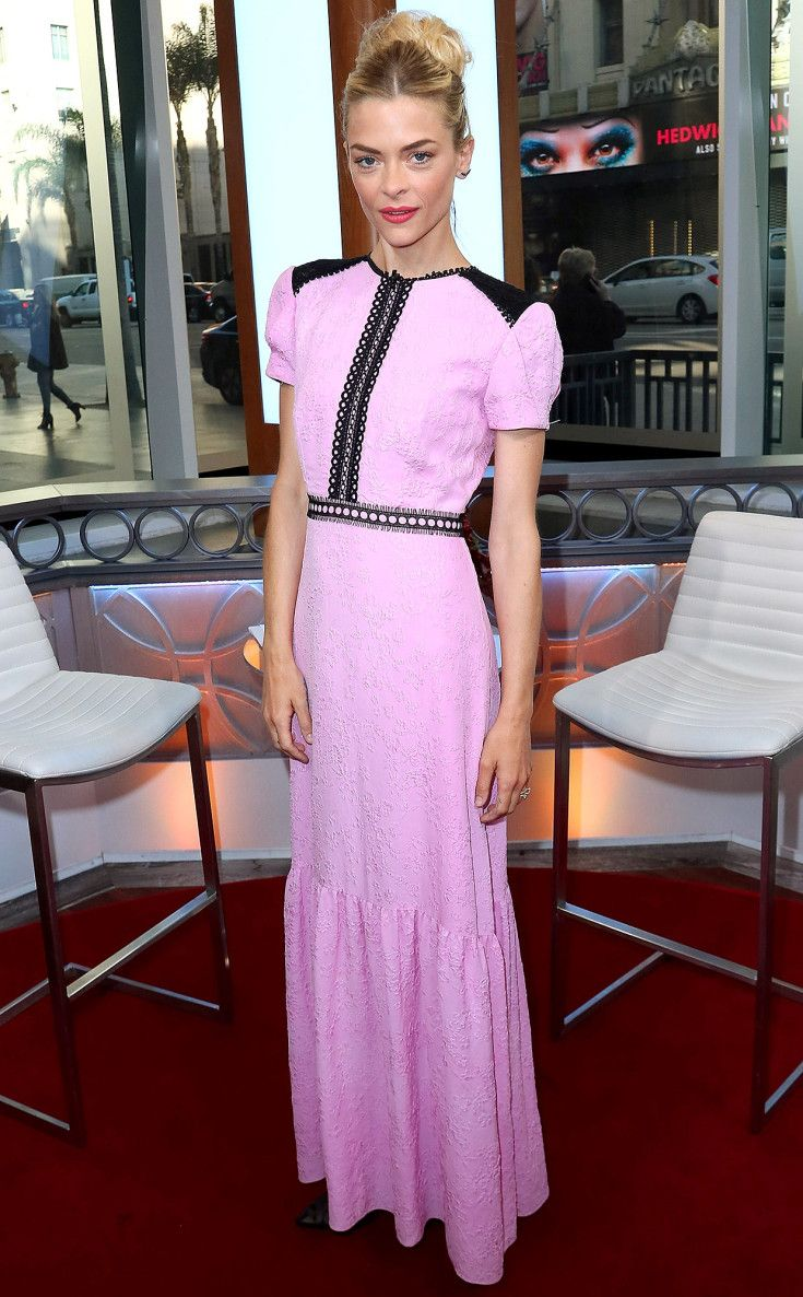 Jaime King in Saloni
