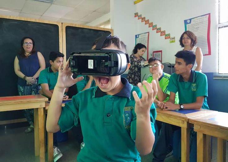 vr-sordos ¿Como ayuda la Realidad Virtual a las personas?