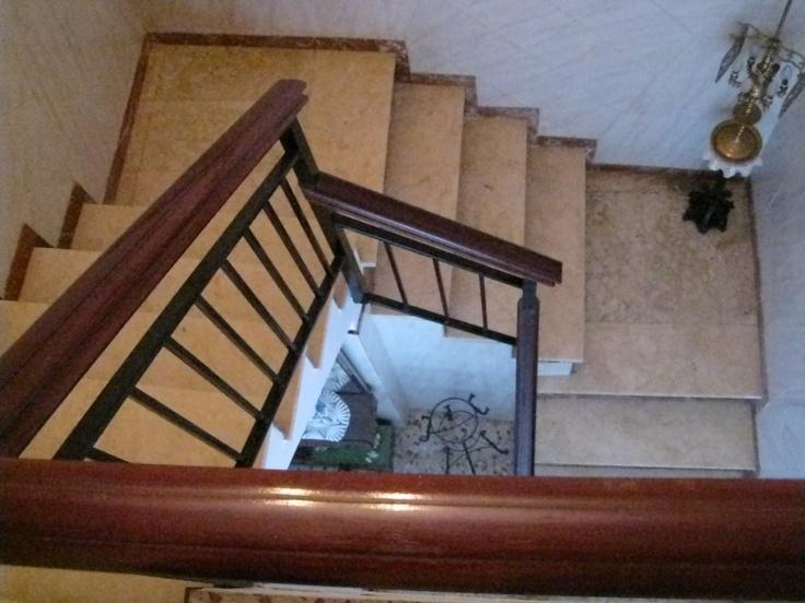 Escalera de acceso a la primera planta.