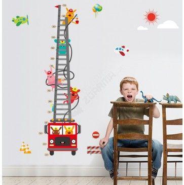 Dětský metr - samolepka na zeď - Hasičské auto se zvířátky