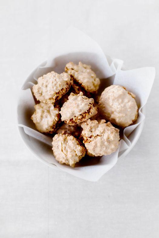 la formula del biscotto: esperimento 128: brutti e buoni alle arachidi