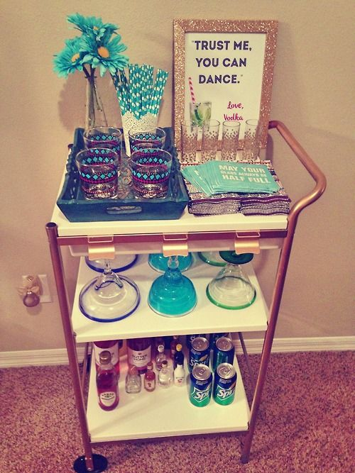 She's Gone Preppy: BarCart for the future Apartment. We can put this in the closet! hahaha