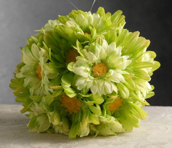 """7"""" Green Gerber Daisy Flower Ball with hanger $9 each / 3 for $8 each  Ideas: Great for a little girls birthday party or for Easter!"""