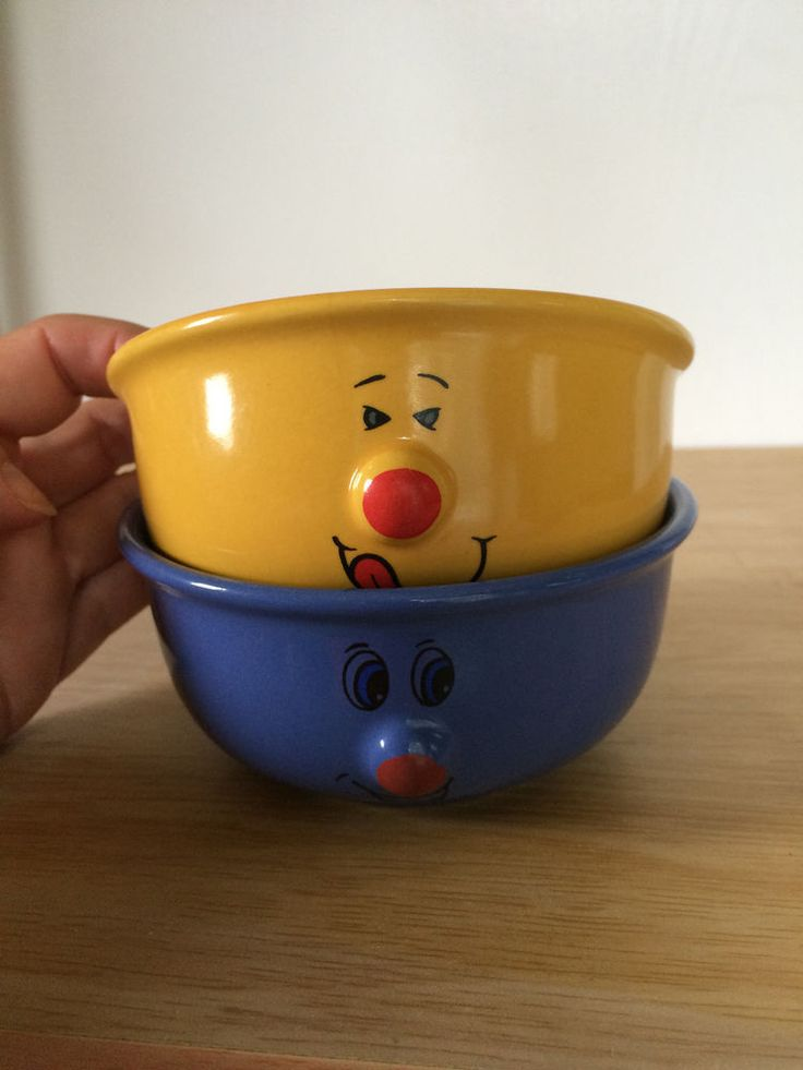 Set Of 2 Small Cereals Soup Bowls Funny Face 3D Protruding Nose Blue Yellow #Gryphonware