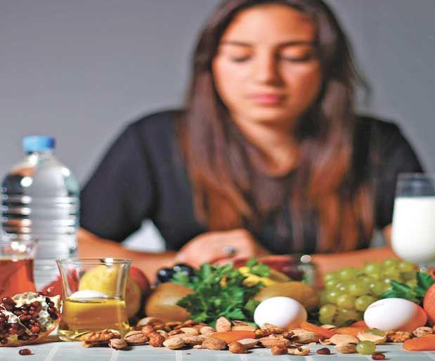 Zihni Çalıştıran BesinlerSınavlara hazırlanırken potansiyelinizi doğru beslenerek artırabilirsiniz…    * Muz: Güçlü sinirler için B vitaminine, zinde bir beyin için potasyuma ihtiyacımız var. Bu durumda muz en iyi seçenek olarak bir numaraya oturuyor.    Yazının Devamı: Zihni Çalıştıran Besinler | Bitkiblog.com  Follow us: @bitkiblog on Twitter | Bitkiblog on Facebook