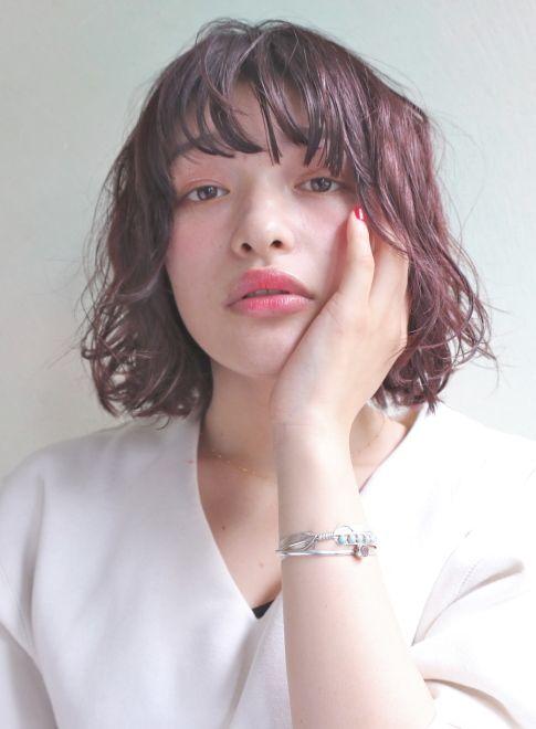恋したくなる髪色がある。ちゅるりん艶やか「ラズベリーピンク」ヘアカラー|MERY [メリー]