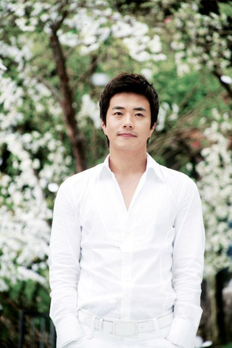 Kwon Sang-woo From Wikipedia, the free encyclopedia This is a Korean name; the family name is Kwon. Kwon Sang-woo Born August 5, 1976 (age 39) Daejeon, South Korea Education Hannam University - B.A.Education[1] Occupation Actor, Model Years active 2001–present Spouse(s) Son Tae-young (m. 2008) Children 2 Korean name Hangul 권상우 Hanja 權相佑 Revised Romanization Gwon Sang-u McCune–Reischauer…