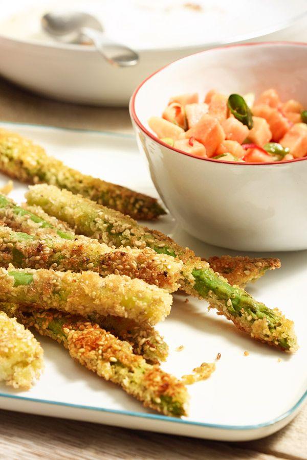 Die gebackenen Spargel mit Salsa sehen nicht nur gut aus, sie schmecken auch super, denn das Auge isst ja bekanntlich mit.