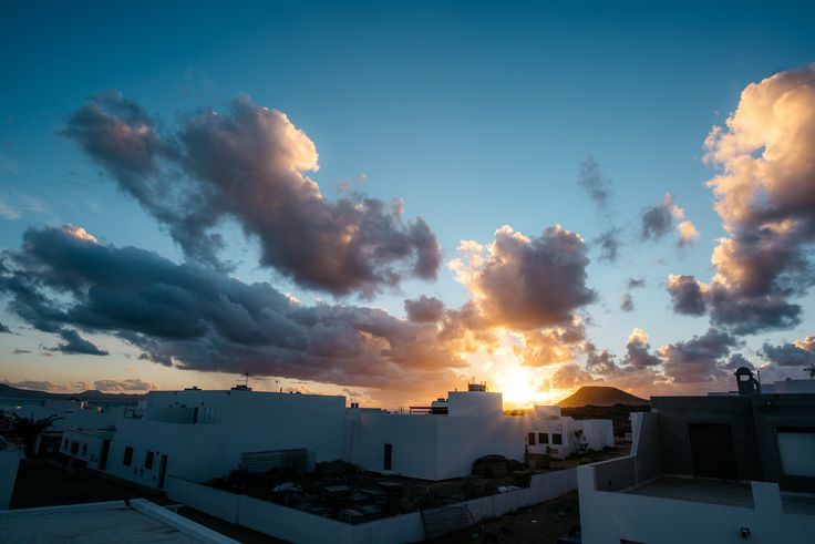 https://flic.kr/p/BYBvjp | Rooftop sunset | La Graciosa, Spain