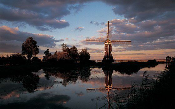 Where to see windmills in #Holland: http://www.holland.com/global/tourism/Article/Types-of-windmills-in-Holland.htm #travel