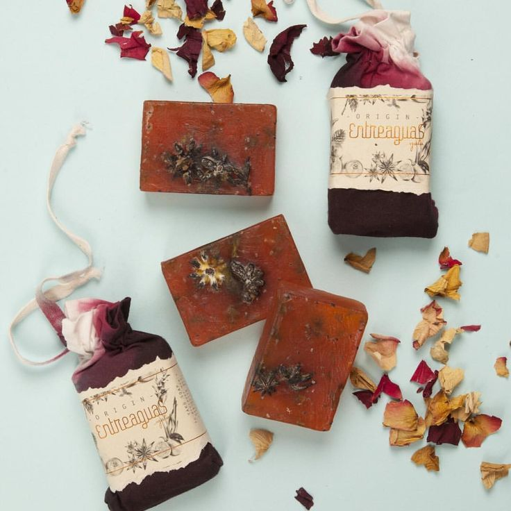Feel the benefits of the anis in our Yaku soaps Relief. Siente los beneficios del Anís en nuestros jabones Yakü Relief.