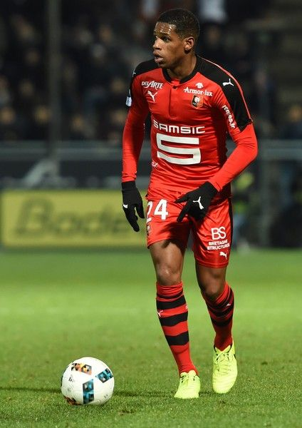 Rennes' French defender Ludovic Baal controls the ball during the French L1 football match between Angers (SCO) and Rennes, at the Jean Bouin Stadium, in Angers, northwestern France, on February 8, 2017.  / AFP / GUILLAUME SOUVANT