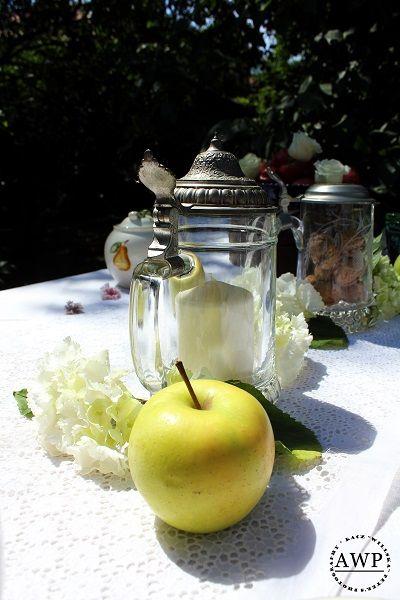 apple with hydrangeas