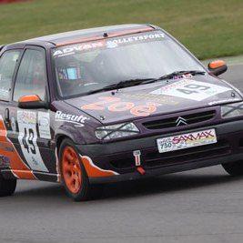 Zoe Wenham racing in the SaxMax Championship