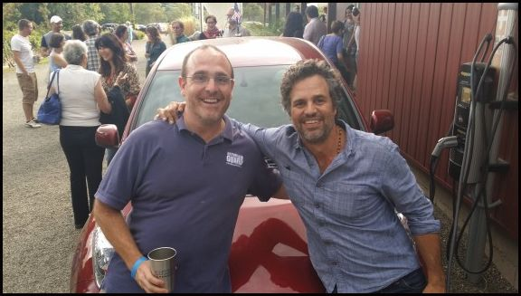 Brian Kent & Mark Ruffalo ... a few days before Brain took on all 48 contiguous states in his Electric Vehicle  #Green #EV #ElectricCar #MarkRuffalo #BrianKent #NationalDriveElectricWeek