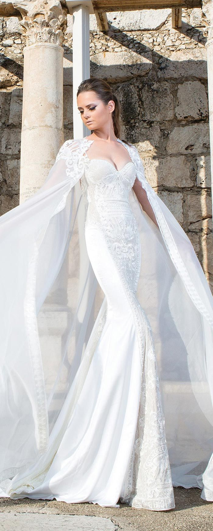 Vestido com capa para casamento                                                                                                                                                                                 Mais