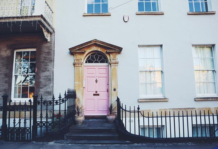 Pretty pink door in Clifton, Bristol