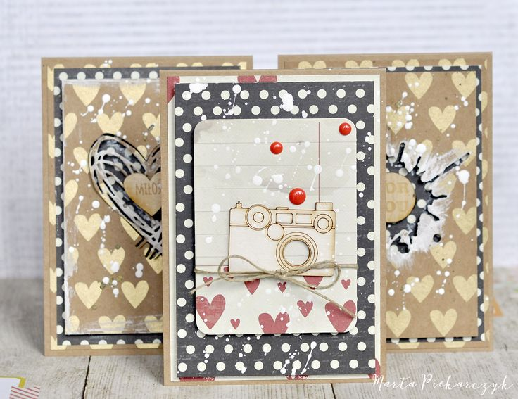 Today I come to you with three very simple cards. These are the cards so that you can quickly perform when needed. Kraft paper beautifully blends with a collection Love me more, so it was decided to combine them. I added a few chlapnięć white ink and a little add Gesso. [Marta Piekarczyk]