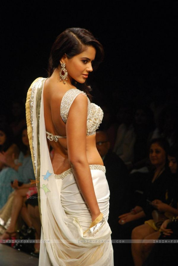 Sameera Reddy at the Anita Dongre''s timeless collection for Spring/Summer