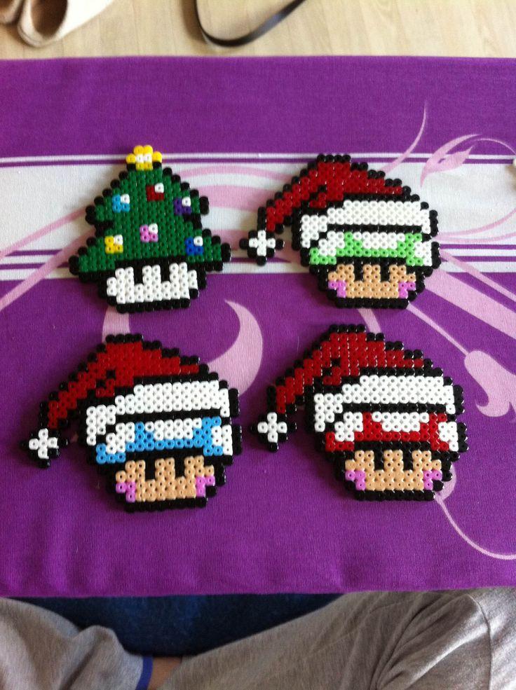 Lot de 4 dessous de verre Mario esprit Noel : Accessoires de maison par cece-creation