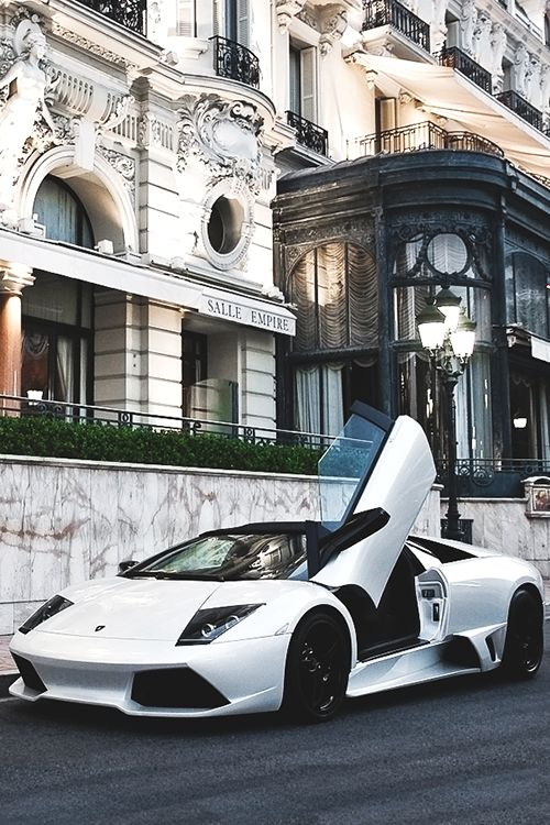normally I'm just like exotic cars? ick ugly, but this white Lamborghini Murcielago just really struck a chord with me