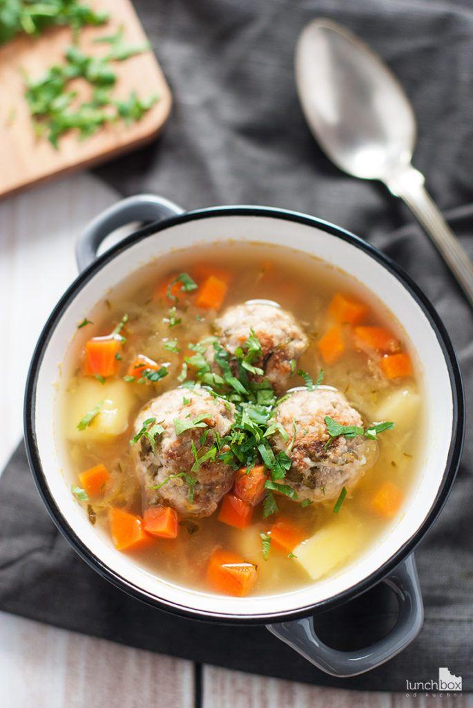 Zupa ogórkowa na pulpetach mięsnych   lunchboxodkuchni.pl