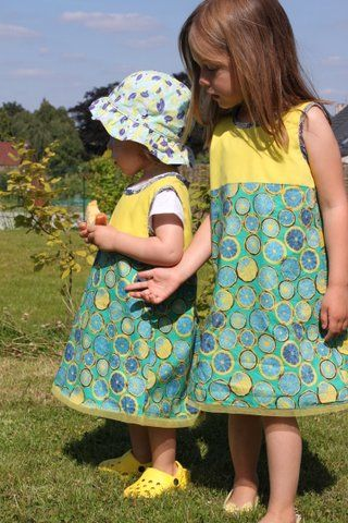 I like these dresses for sisters!: Projet Robes, Couture Robes, De Robes, Robes Chasubl