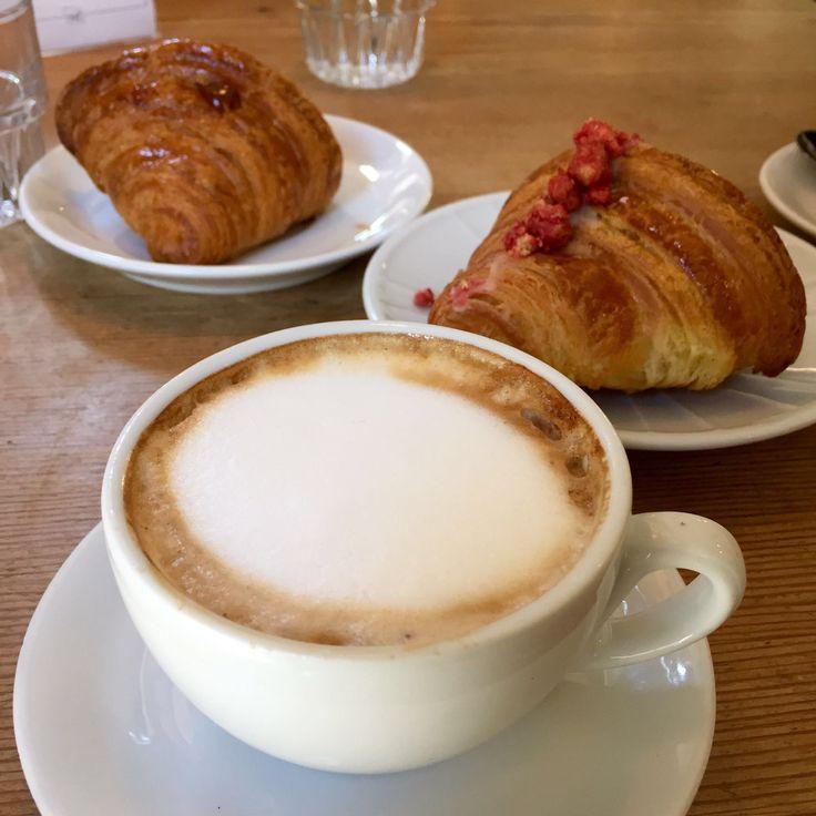Cappuccino & croissant breakfast in Milan