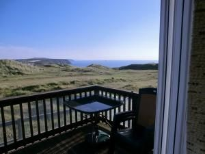Take a look at the private caravans for hire in Cornwall. http://www.ukcaravans4hire.com/searchresults.html?r=1&p=&sd=&ed=