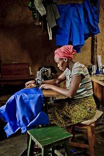UNHCR Italia (UNHCRItalia) su Twitter La forza e il coraggio delle donne congolesi #RDC #rifugiati UNHCR / Frederic NOY / October 2012