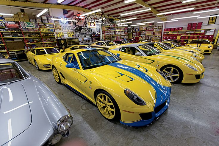 Ferrari syndrome! This man has a collection that includes more than 40 models, all yellow! Phil Bachman and his wife Martha Bachman, born in Greeneville, are the owners of one of the finest collections in the world of automobile brand Ferrari. Besides the fact that the number exceeds 40 cars, most of which are painted in yellow and nowhere in the world there is a similar...