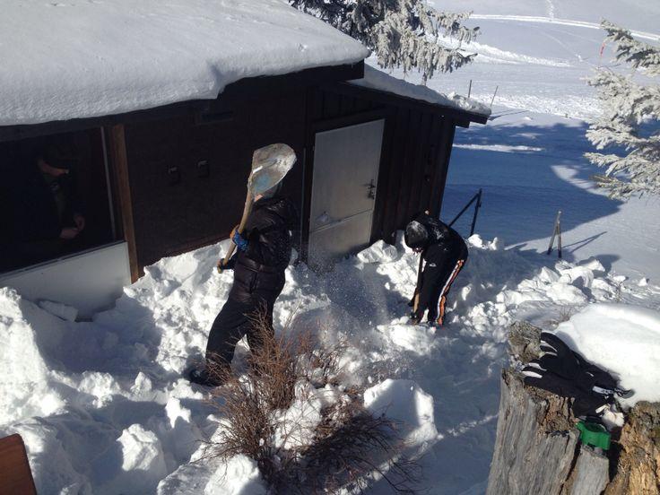 Dom najpierw trzeba odkopać. Stoos Switzerland
