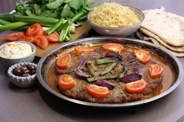 Det finns många olika recept och sätt att tillaga kebab på. Tepsi kebab är en turkisk version där kebaben tillagas i långpanna.