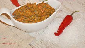 Аджика – это острая пастообразная приправа из красного перца, чеснока и пряных трав. В настоящую классическую аджику не входят томаты, я...