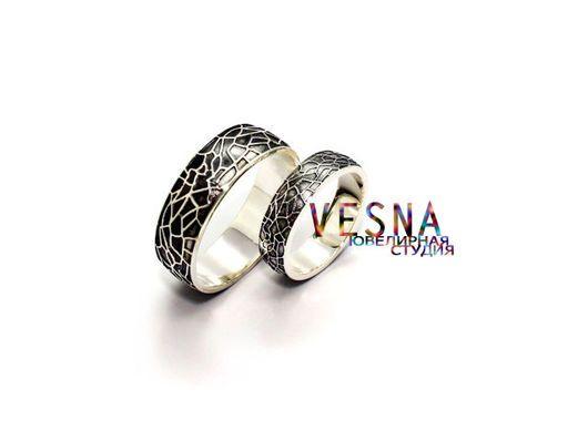 Необычные парные обручальные кольца из белого золота `Мозаика`