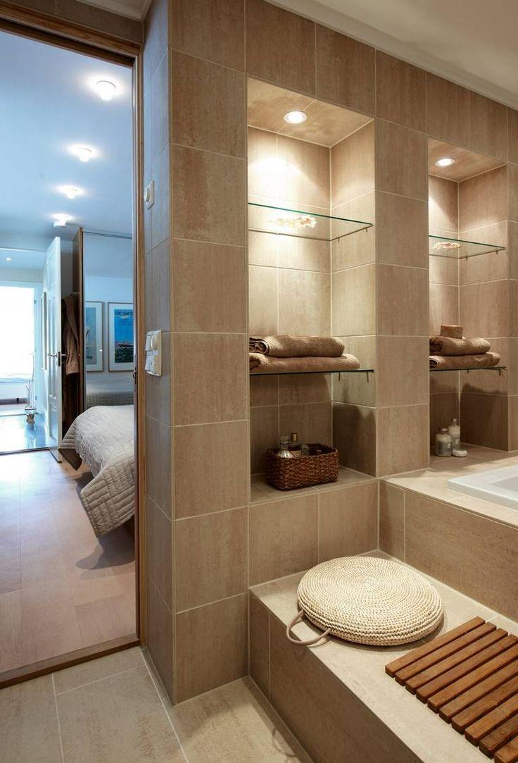 Lund, Farsund, siv kerstin bakke, bad, soverom P� KANTEN: Investerer du i et innebygd badekar, kan du bygge ekstra trinn foran karet som er ypperlig til � sitte p�, for eksempel n�r du bare barn.