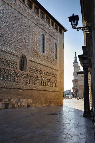 La Seo y la calle del Sepulcro   Zaragoza  Spain