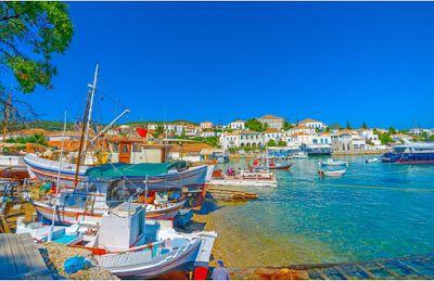 Planet Stars: Ποια ελληνικά νησιά επιλέγει η Vogue για το φετινό...