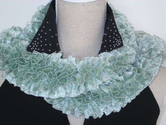 Glamour Knitting  Ruffle Scarf Glitz Mint Green by MinnieCreation, €19.32