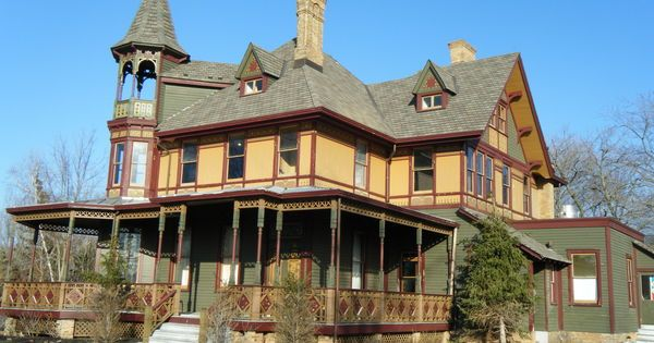 When I Saw These 13 Houses Were For Sale, I Was Shocked. They're Hiding Terrifying Secrets.