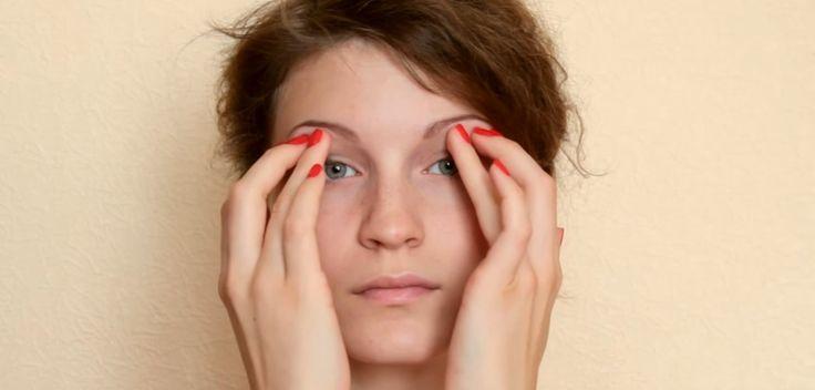 Domowy sposób na opadającą powiekę
