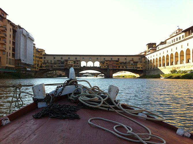 FLORENCE RIVER CRUISE ON A TRADITIONAL BOAT - See Florence from a totally different perspective and take a leisurely cruise down the River Arno on board of a traditional Barchetto, a Florentine Gondola.