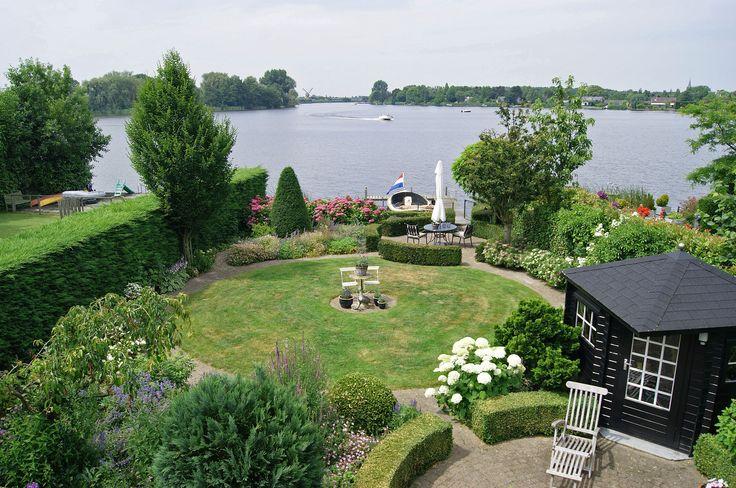 25 beste idee n over kleine zwembaden op pinterest dompelbad kleine tuin zwembaden en - Klein natuurlijk zwembad ...