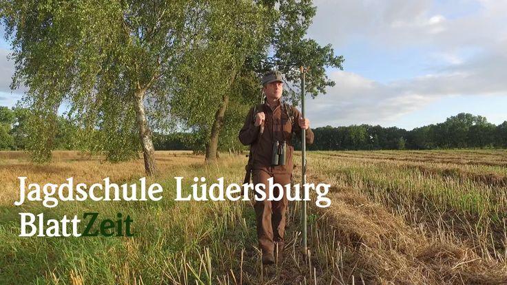 Im August dieses Jahres wurde der neue Film der Jagdschule Lüdersburg produziert. Vielen Dank an dieser Stelle an Schmidt & Bender, Outfox, RWS und Anschütz für die Unterstützung bei der Produktion. Das Video zeigt einen kleinen Ausschnitt aus der täglichen Arbeit in der Jagdschule.
