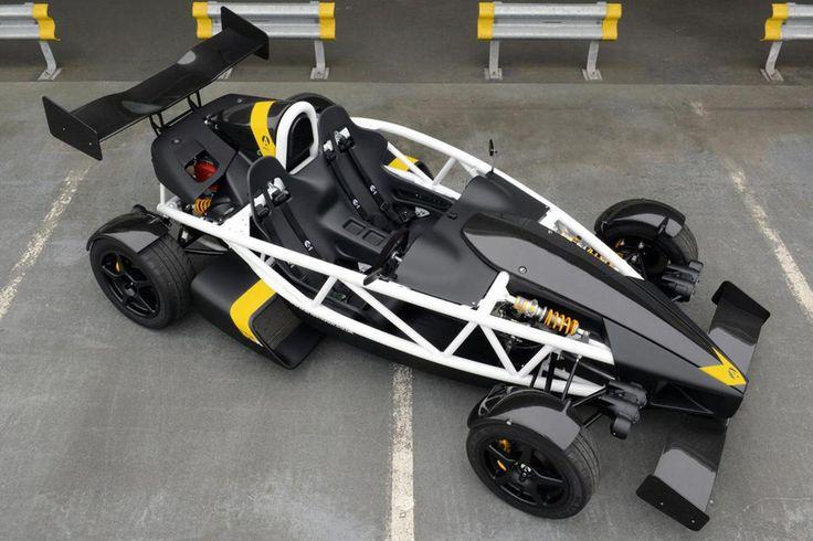 Ariel Atom 3.5R, version à moteur 2,0 litres 350 chevaux et 550 kg lancée en mai 2014