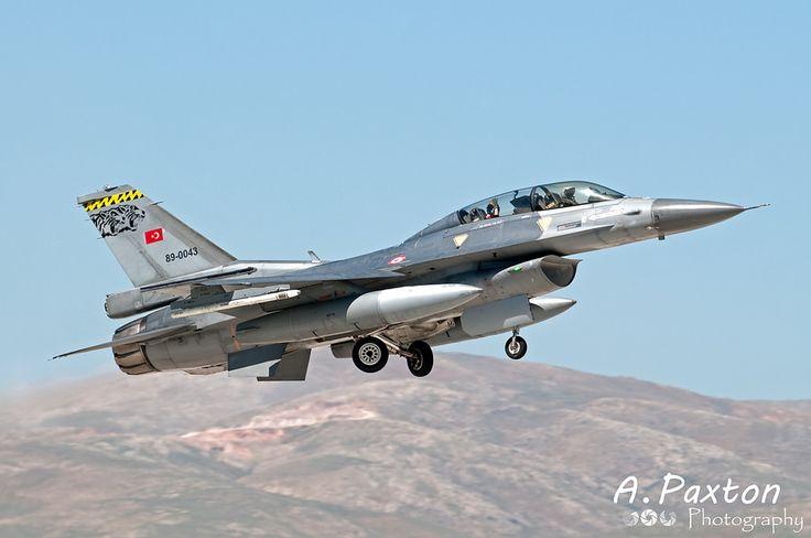 https://flic.kr/p/R7ihJz | Turkish Air Force | Lockheed Martin F-16D Fighting Falcon | 89-0043 | 192 Filo 'Tiger' - Balikesir Air Base, Turkey | NTM15 - Konya Air Base, Turkey