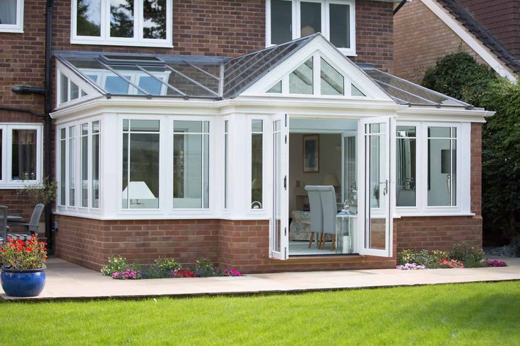 Everitt & Jones manufactured and installed new conservatory for a customer in Harpenden, Hertfordshire.