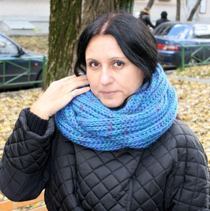 """Купить Снуд, шарф вязаный женский """"Мультиколор (синий)"""" - разноцветный, однотонный, снуд вязаный"""